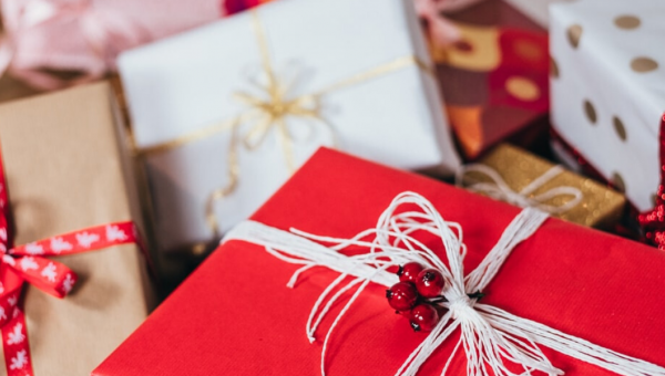 Christmas traditions: exchanging gifts!