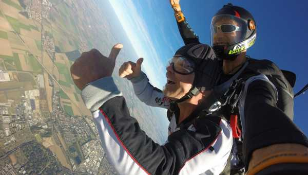Skydiving: what it is and how it is born