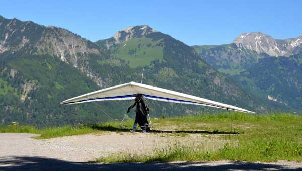 Where to experience the thrill of a hang gliding flight