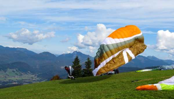 How paragliding is born