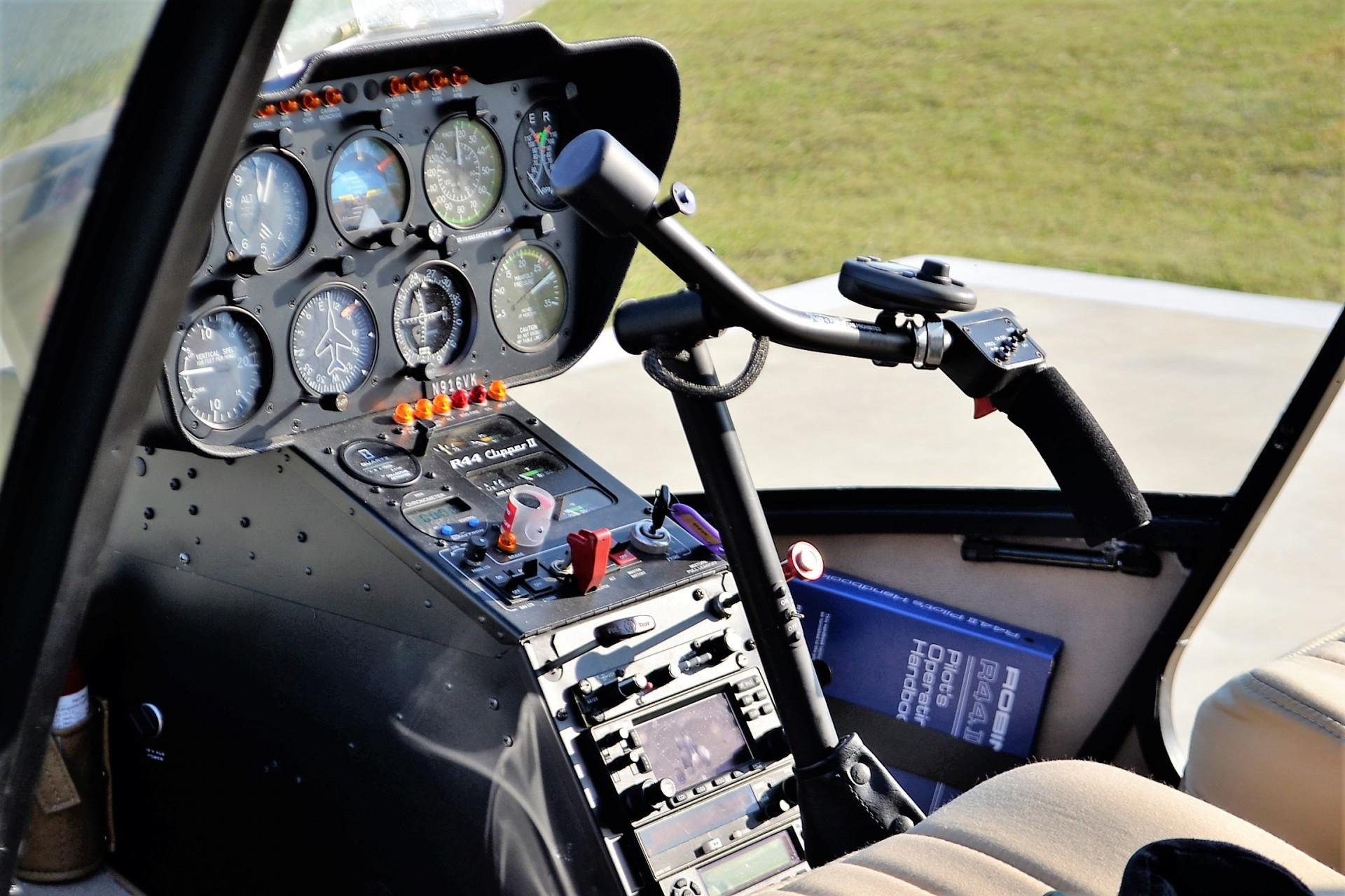 L'emozione di un volo turistico in elicottero