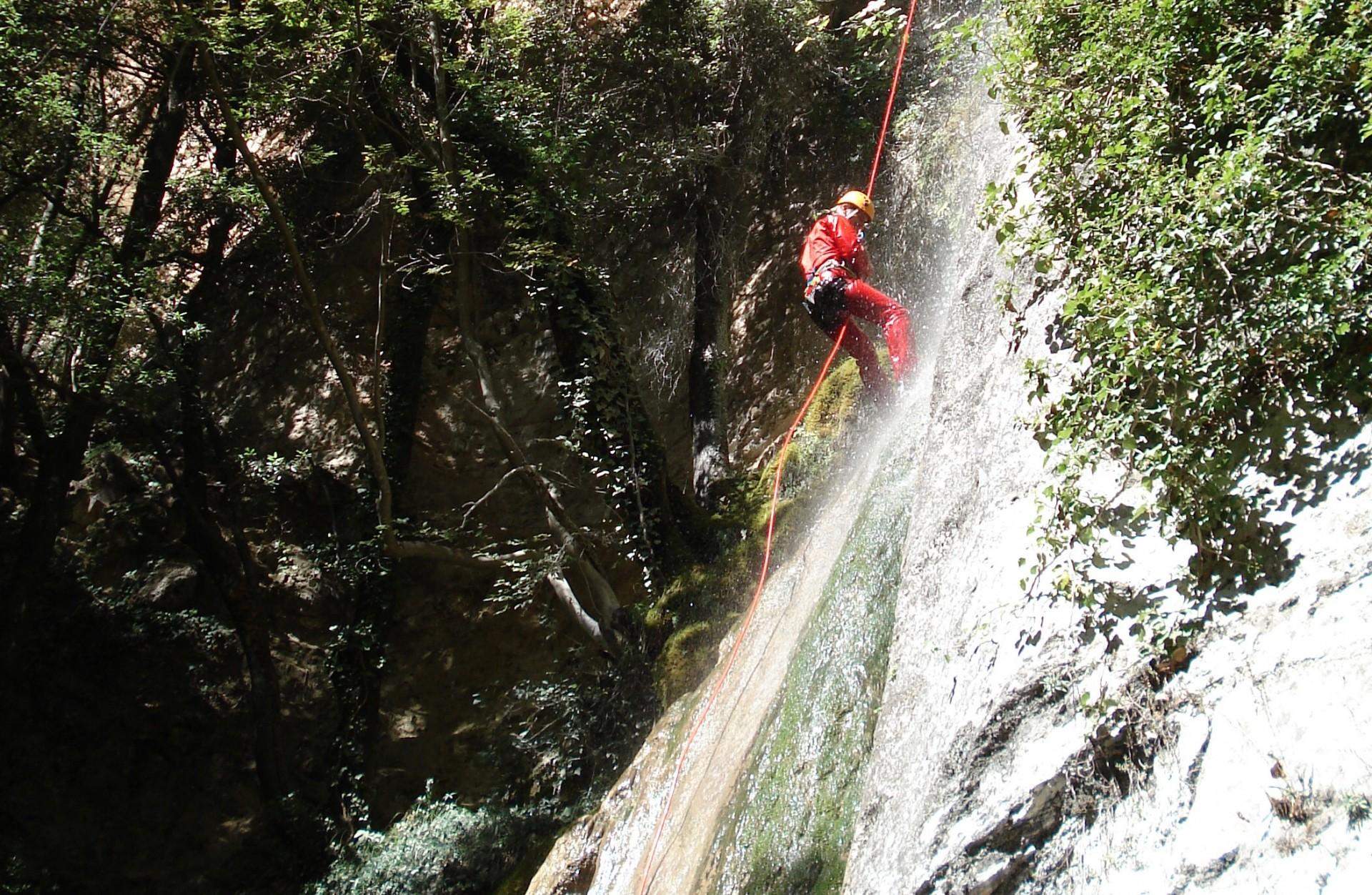Canyoning sul Monte Cucco nella Forra del Rio Freddo