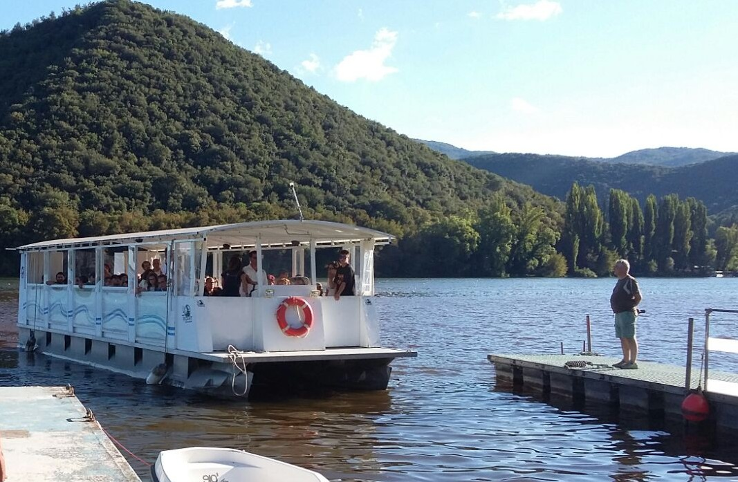 Cruise across Piediluco Lake by ferry