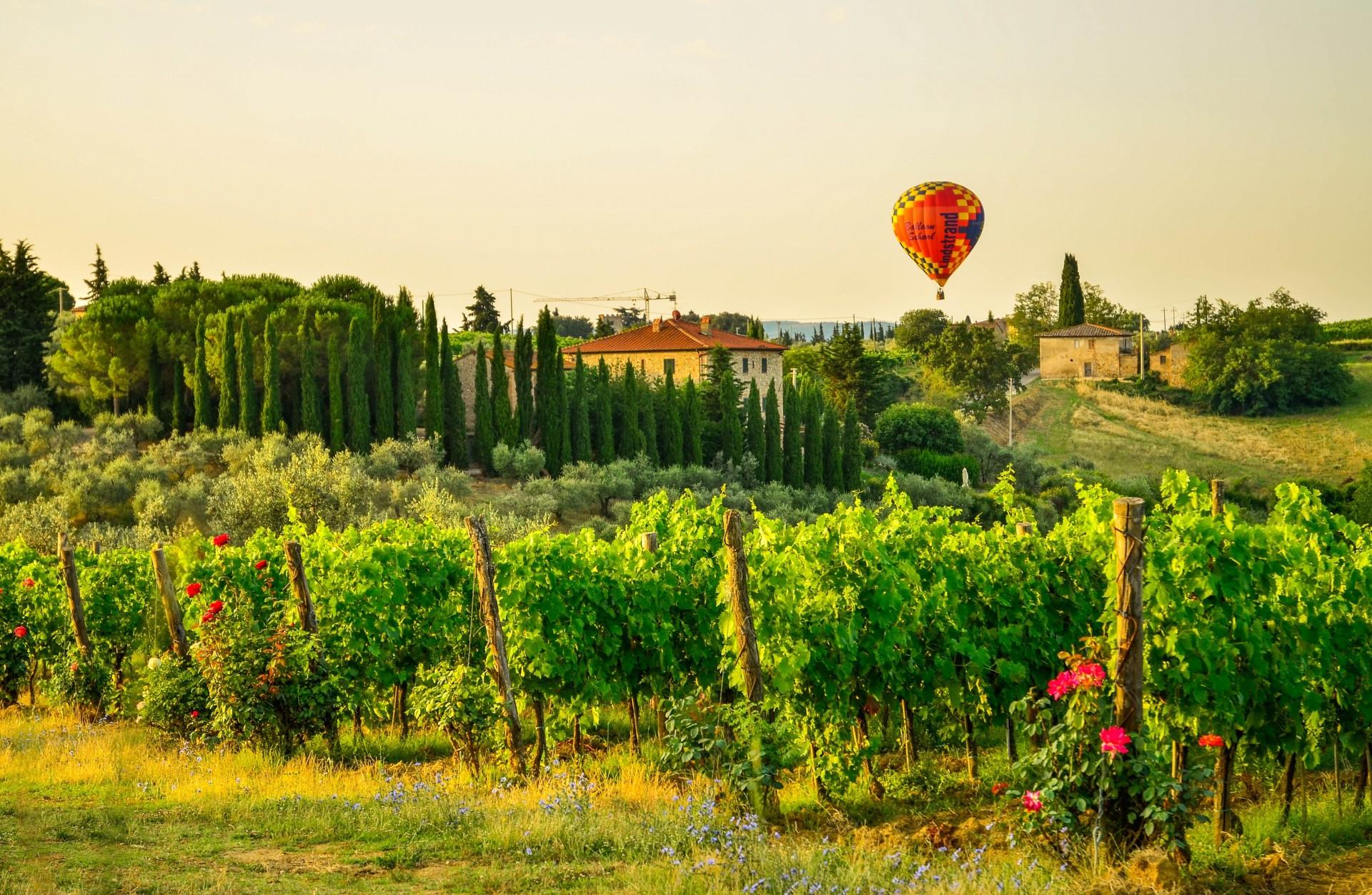 Volo in mongolfiera nei cieli della Toscana