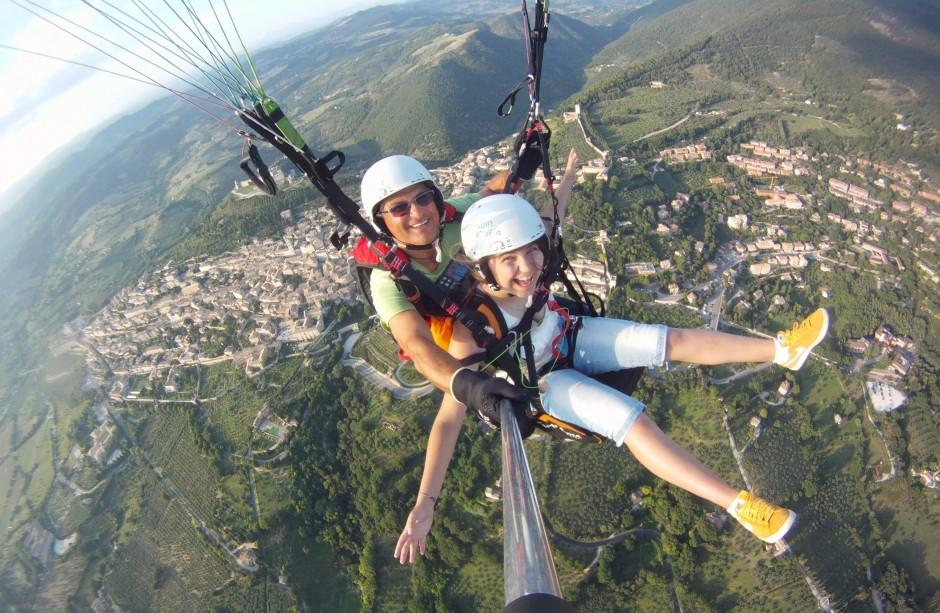 Volo in parapendio biposto ad Assisi