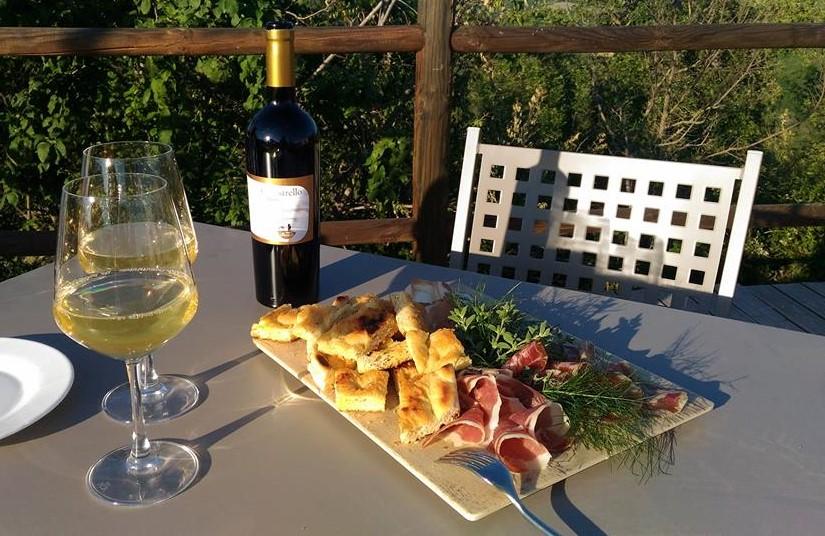 Passione per la campagna: vini e prodotti locali in fattoria!