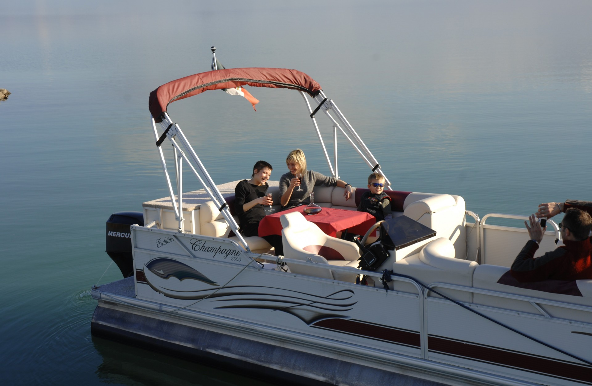 Navigazione tra le meraviglie del Lago Trasimeno