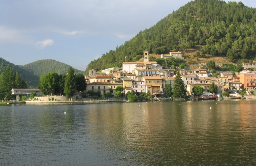 One week in Umbria at enchanting Piediluco Lake