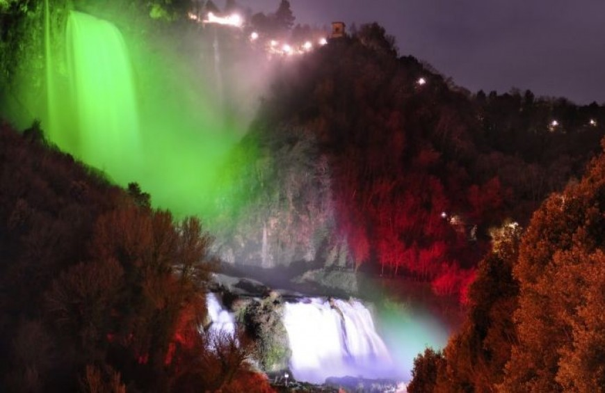"Cascata delle Marmore: guided tour ""The magic of the waterfall at night"""