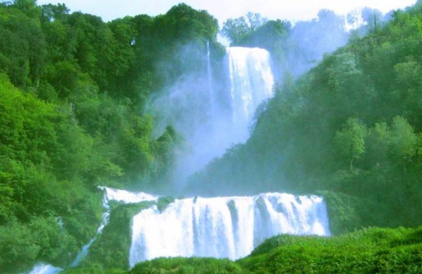 "Cascata delle Marmore: guided tour ""The waterfall close"""