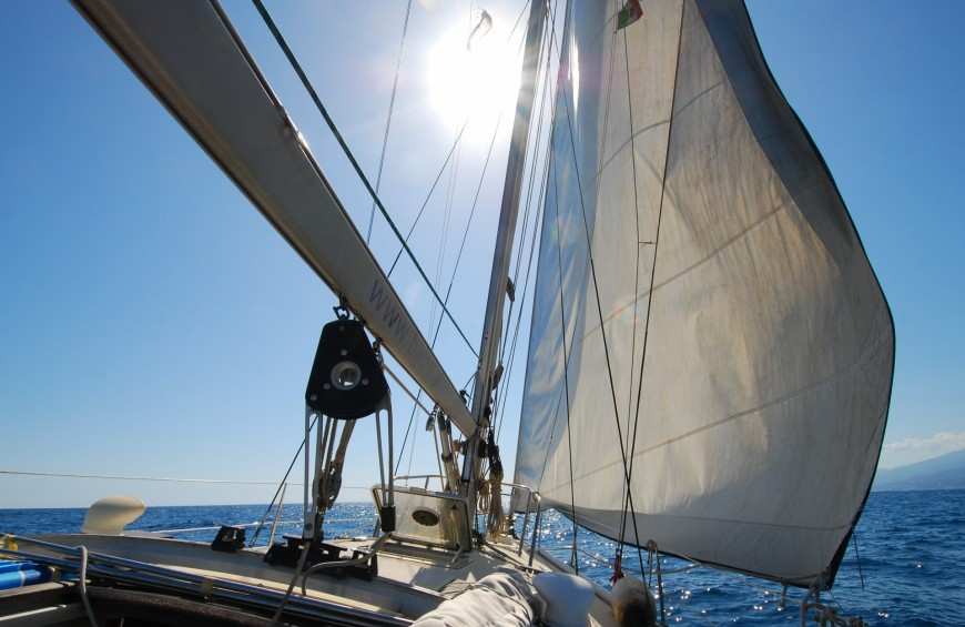 The azure day: sailing along the Cinque Terre coast!