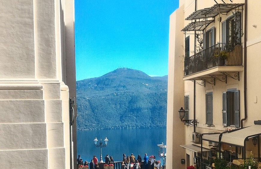 Castel Gandolfo: at the home of Emperors and Popes